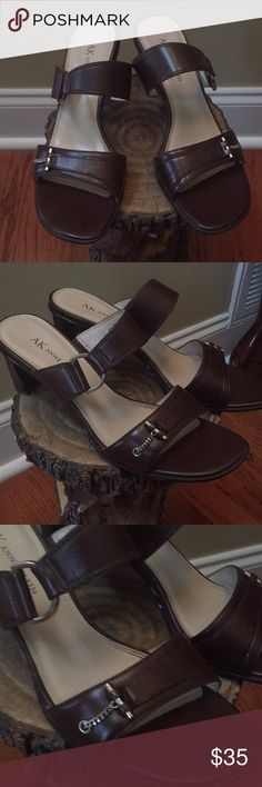 "👠ANNE KLEIN HEELS SIZE 7👠MAKE OFFER👠WORN ONCE👠 👠ANNE KLEIN HEELS SIZE 7👠MAKE OFFER👠WORN ONCE👠COLOR: BROWN. HEEL HEIGHT 2""👠BOUGHT THESE FOR MYSELF BUT HEEL IS TOO LOW FOR ME ORIGINAL PRICE $ 60 MY LOSS WILL BE SOMEONE ELSE's GAIN.👍 Anne Klein Shoes Heels"