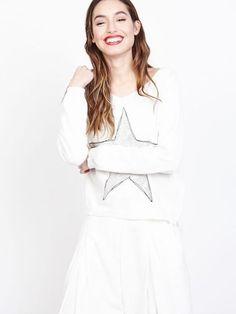 b60db7a645c Joli pull en coton pour femme blanc. Pull fin avec motif grosse étoile ornée  de