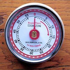 Magnetische Timer voor aan de koelkast. Eitje 7 of 8 minuten?