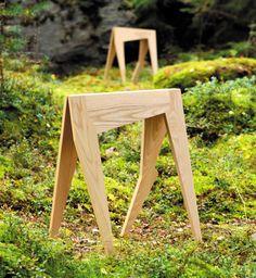 Juulia Paloranta, Leena Raudaskoski // Porot // deer wooden table legs