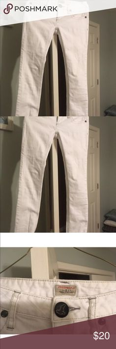 Free people white jeans Free people white skinny jeans no stains worn only twice. Size 25 Free People Pants Skinny
