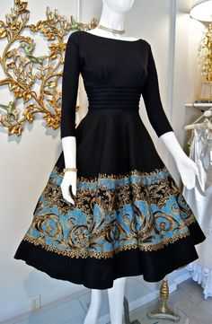 New Moda Vintage Fashion Posts Ideas Pretty Outfits, Pretty Dresses, Beautiful Outfits, Cute Outfits, Gorgeous Dress, Pretty Clothes, Dress Outfits, Vintage Outfits, Vintage Dresses