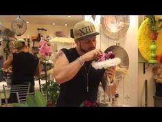 Мастер-класс Славы Роска. Свадебный букет с фиалками на порт-букете. - YouTube