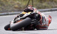 Marc Marquez, leader du championnat du monde de Moto GP, a réussi l'exploit… Marc Marquez, Motogp, Ducati, Motocross, Motos Sexy, Bmw R45, Velentino Rossi, Gp Moto, Harley