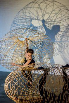 maria-blaisse-dancers-bamboo-structures-noguchi-museum-designboom-80