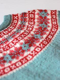 Photo of Fair Isle detail on sweater by handepande | Flickr #knitting #fairisle