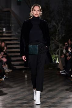 ABOUT Built on Scandinavian simplicity, Filippa K is a fashion brand designing essential wardrobe pieces for women and men, including shoes, bags and accessories. Founded in Filippa K quickly… Fashion 2018, Fashion Show, Fashion Design, Fashion Blogs, Stockholm Fashion Week, Shearling Coat, Fur Jacket, Winter Outfits, Nice Outfits