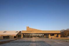 Hogeland College verankerd in landschap - Architectuur.nl