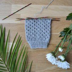 Reikäpitsi - 52 sukanvartta - Neulovilla Crochet Socks, Knitting Socks, Crochet Stitches, Hand Knitting, Knit Crochet, Crotchet, Crochet Bikini, Diy And Crafts, Blog