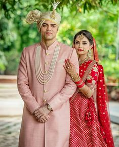 Image may contain: 2 people, people standing Indian Wedding Pictures, Indian Wedding Poses, Indian Bridal Photos, Indian Wedding Couple Photography, Wedding Picture Poses, Bride Photography, Couple Photography Poses, Indian Wedding Outfits, Tamil Wedding