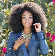"Yaya DaCosta Talks about Her Role as April Sexton on ""Chicago Med"" Yaya Dacosta, Medium Hair Styles, Curly Hair Styles, Natural Hair Styles, Natural Beauty, Natural Afro Hairstyles, Weave Hairstyles, Long Curly Hair, Big Hair"