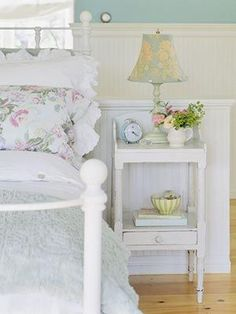 Sweet sleep refreshes the writer. Love love love this cottage bedroom! - Sweet sleep refreshes the writer. Love love love this cottage bedroom! Shabby Bedroom, Cottage Bedroom, Home Goods Decor, Cottage Style, Bedroom Vintage, Rustic Shabby Chic Bedroom, Cottage Decor, Home Decor, Cottage Style Decor