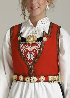 Bilderesultat for hardangerbunad Folk Costume, Costumes, Norway, Cool Designs, Textiles, Embroidery, Pretty, Cute, How To Wear