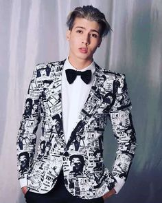 Top 8 modèles de costumes homme 2020 pour toutes les occasions Costume Anglais, Corps Idéal, Best Wedding Suits, Costume Noir, Frack, Men's Grooming, Mens Suits, Fall Wedding, Blazer