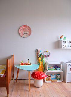 Kids room - Table from Søstrene Grene - EllevillaMalla