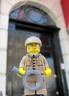 LEGO Collectible Minifigures Series 5 : Detective @ 221B Baker Street