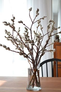 Spring is in the air! Willow is not only an Easter kind of thing, it's great for just spring décor also. Pussy willows are so cute for home décor – just ha