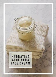 All Natural Hydrating DIY Aloe Vera Face Cream Recipe #FaceMaskForSpots Homemade Face Lotion, Homemade Face Wash, Homemade Face Moisturizer, Natural Face Moisturizer, Homemade Facials, Facial Cleanser, Homemade Shampoo, Aloe Vera Face Cream, Aloe On Face