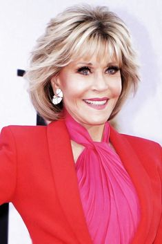 Layered Thin Bangs ❤ Jane Fonda hair looks are nothing but a guide to reaching style perfection. How about styles and cuts that take years off? Dive in! Youthful short haircuts for older women, chic long hairstyles for ladies over awesome fr Short Hair Older Women, Hair Styles For Women Over 50, Haircut For Older Women, Medium Hair Styles, Short Hair Styles, Hair Medium, Layered Bob Hairstyles, Hairstyles Over 50, Short Hairstyles For Women