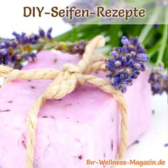 Rückfettende Seife selbst machen – Seifen-Rezept & Anleitung Make soap – soap recipe: Make your own moisturizing soap – it cleans thoroughly and gently and does not dry out the skin … Homemade Skin Care, Diy Skin Care, Organic Skin Care, Natural Skin Care, Aloe Vera, Diy Beauté, Recipe Instructions, Soap Recipes, Natural Cosmetics