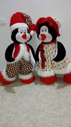 Christmas Pictures, Christmas Fun, Christmas Ornaments, Stuffed Toys Patterns, Beautiful Artwork, Christmas Stockings, Snowman, Dolls, Holiday Decor