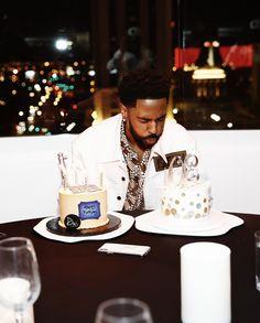 Birthday Wishes For Him Pre 15 Ideas For 2019 Birthday Wishes For Him, New Birthday Cake, Birthday Quotes For Daughter, Birthday Party Tables, Birthday Diy, Birthday Cupcakes, Cupcake Display, Glitter Birthday, Birthday Cake Decorating