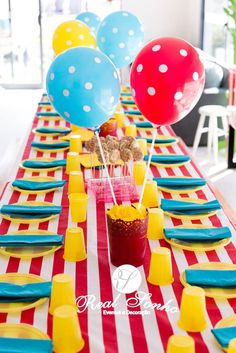 Festa Aniversário | Circo  birthday decoration // party decorations ideas // circus Decoration Party, Decorations, Salvador, Party Ideas, Birthday, Themed Parties, Ideas, Savior, Birthdays