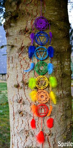 7 Chakras by Sprite créations Attrape rêves - atrapasueños - dreamcatcher 7 Chakras, Los Dreamcatchers, Eyeliner For Almond Eyes, Diy And Crafts, Arts And Crafts, Craft Projects, Projects To Try, Chakra Affirmations, Chakra Symbols