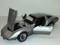 Battery Operated Corvette 1978 1:18 Scale Battery Operated 1970-1989