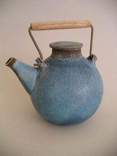 Teapot by Stig Lindberg