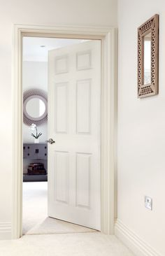 Smooth (Solid) Beautiful traditional white doors perfect for classic homes. Victorian Internal Doors, White Internal Doors, Interior Barn Doors, Home Interior, Interior Design, Interior Paint, Luxury Interior, 1930s Doors, 6 Panel Doors