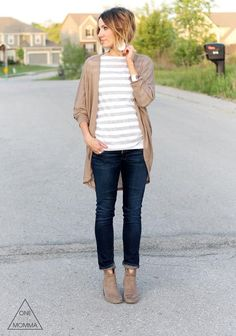 Fall Outfits for Mom Time to break out the cardigans! Fall outfits for mom.Time to break out the cardigans! Fall outfits for mom. Casual Fall Outfits, Fall Winter Outfits, Autumn Winter Fashion, Cute Outfits, Dress Casual, Stylish Mom Outfits, Fashionable Mom, Bar Outfits, Vegas Outfits