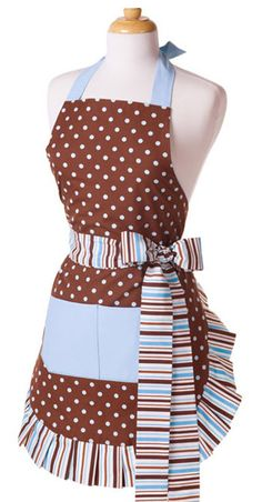 I love these color/pattern mixing, frilly aprons. I must make one!