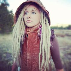 Supplies to create and professionally maintain beautiful natural human hair dreads, extended dreadlocks and locs of every texture. Blonde Dreads, Dreadlocks Girl, Dreadlock Rasta, Dread Hairstyles, Cute Hairstyles, White Girl Dreads, Beautiful Dreadlocks, Dread Beads, Dream Hair