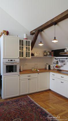 Fehér konyha L-alakban, tetőtérben I manzard9.blogspot.com