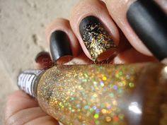 Esmaltemaníaca: Unha da Semana: Vânia + Glitter Forte 387 FP http://www.facebook.com/pages/Esmalte-Maníaca/223271664358917