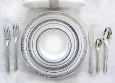Royalty Settings Plastic Cutlery and Plates Set Party Package for 120 Persons, Includes 120 Dinner Plates,120 Salad Plates, 240 Forks, 120 Knives, 120 Spoons and 60 Teaspoons (Prestige Collection)