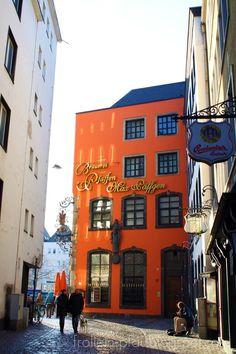 Eine der Party-Hotspots Kölns - die Salzgasse in Köln. Hier kann es Euch nach der Partya an Bord verschlagen, hier könnt Ihr weiterfeiern.