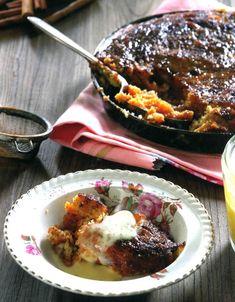 Tannie Poppie van kykNET se Kokkedoor televisiereeks deel 'n lekker tradisionele resep vir kaneeltert uit ouma se kombuis. Tart Recipes, Best Dessert Recipes, Sweet Recipes, Baking Recipes, Dessert Ideas, Yummy Recipes, South African Dishes, South African Recipes, Crunchie Recipes