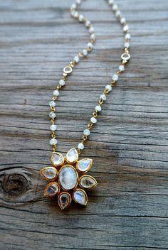 FARRAH NECKLACE #liliclaspe #jewelry #moonstone