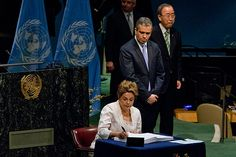 Presidente Dilma Rousseff assina Acordo de Paris durante encontro na sede da ONU em Nova York