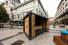 Designblok 2014 - Kontejnerová expozice Fakulty Designu a umění v Plzni - foto © archiv Fakulty designu a umění Ladislava Sutnara ZČU