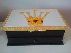 Porta-jóias com divisórias e aneleiras! Mais opções em www.facebook.com/apanopatchcolagem ou www.elo7.com.br/apanopatchcolagem