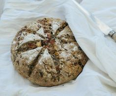 Macadamia, Tomato, Basil and Mountain Pepper Berry Damper Damper Recipe, Vegetable Bread, Flat Cakes, New Zealand Food, Savoury Biscuits, Good Food, Yummy Food, Australian Food, Xmas Food