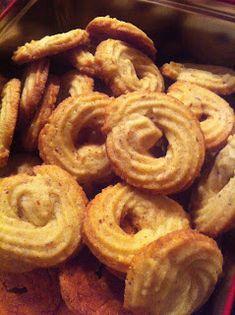 Danish Christmas, Scandinavian Christmas, Danish Cake, Christmas Cooking, Onion Rings, Marzipan, Cheesecakes, Food To Make, Protein