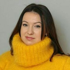 Thick Sweaters, Wool Sweaters, Gros Pull Mohair, Womens Knit Sweater, Yellow Sweater, Sweater Outfits, Cowl Neck, Sexy Women, Turtle Neck