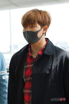 [Picture/Media] BTS at Incheon Airport Go to Jakarta – Indonesia Rapmon, Bts Bangtan Boy, Bts Jimin, Namjoon, Bts Mask, Wings Tour, Got Memes, Bts Rap Monster, Black Mask