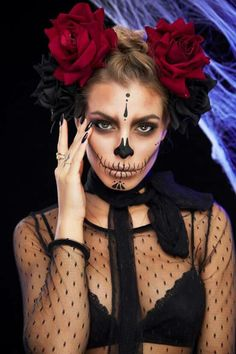 Halloween Make-up Catrina Schminke Hair Loss - Tips for Success Billions of dollars will be spent on Haloween Makeup, Halloween Makeup Sugar Skull, Cool Halloween Makeup, Sugar Skull Makeup, Halloween Looks, Costume Makeup, Halloween Cosplay, Halloween Outfits, Halloween Costumes