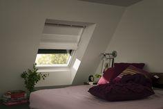 Florlette liftgardiner kombinert med rulleskodde, gir deg både dekorering og mørklegging Decor, Velux, Furniture, Bed, Home, Home Decor