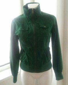 Schöne Jacke in dunkelgrün